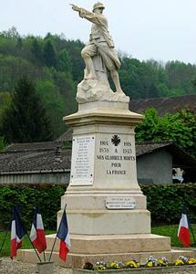 cb_monument_aux_morts